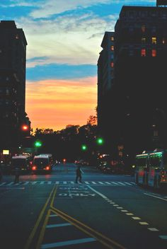 Find images and videos about love, photography and sky on We Heart It - the app to get lost in what you love. Tumblr Photography, Urban Photography, Street Photography, Photography Lighting, Nature Photography, Concrete Jungle, Urban Landscape, City Lights, Photos