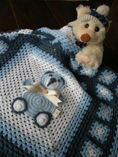 Handmade crochet afghan baby blanket with teddy bear, granny squares cover for newborn. Sweet gift for baby shower. - Copertina bimbo con piastrelle lavorate all'uncinetto. Crochet Bedspread Pattern, Baby Afghan Crochet, Baby Afghans, Crochet Patterns, Afghan Blanket, Wool Blanket, Baby Shower Gifts, Baby Gifts, Fabric Yarn