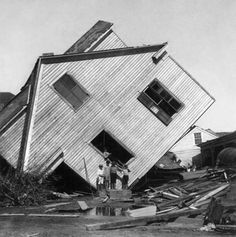 Aftermath of Galveston, Texas hurricane of 1900: house on Avenue N  / Photographed by Griffith & Griffith, 15 October 1900