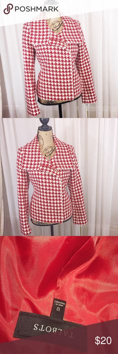 Talbots wool blend coat Houndstooth design jacket with folded down open collar and side zip up. Fully lined. Wool blend coat. Stunning addition to any wardrobe Talbots Jackets & Coats