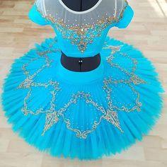 Tutu Ballet, Ballerina, Dark Fantasy Art, Boris Vallejo, Ballet Costumes, Dance Costumes, Royal Ballet, Dance Outfits, Sexy Outfits