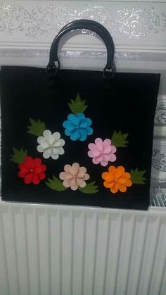 Embroidery Heels, Embroidery Stitches, Diy Tote Bag, Flower Bag, Designer Heels, Cute Bags, Felt Flowers, Shopping Bag, Pouch