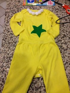 MKs school (like most schools) held Dr. Seuss week, with one day being Dr. I love star-bellied sneetches so I made her . Star Bellied Sneetches, Dr Seuss Bulletin Board, Dr Seuss Day, Educational Websites, Adult Crafts, Love Stars, Halloween Costumes, Rompers, School Days