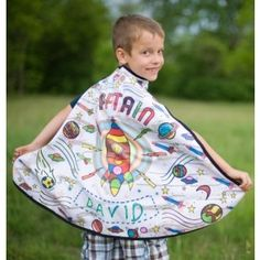 Color Me Cape Rocket man Eco Kids, Great Smiles, Gifts For Boys, Playing Dress Up, Tween, Little Boys, Baby Car Seats, Boy Or Girl, Costumes
