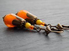 Ohrringe - Tropfen in Orange von Perlenfontäne auf DaWanda.com