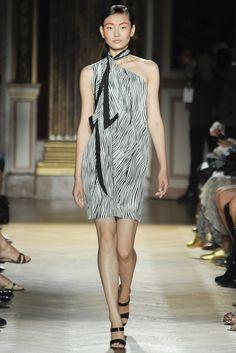 Martin Grant Spring 2012 Ready-to-Wear Fashion Show - Liao Shiyu (OUI)
