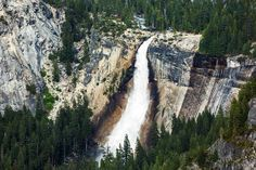 25 of the World's Most Amazing Waterfalls. Must see