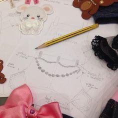 Limited Edition...  Work in progress for Interzoo 2016, Germany! Tante idee per un outfit perfetto!! Consigli?!? #forpetsonly #limited #limitededition #interzoo #interzoo2016 #fpo #topomio #chihuahua #pomerania #fashiondog #cutedog #sweetdog #fashion #pomeranian #topmodel #littledog