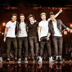 I AM GOING TO THEIR CONCERT IN 4 DAYS!!!!!!! THEY'RE COMING TO RALEIGH SATURDAY!!!!! AHHHHH OMG I CAN'T WAIT