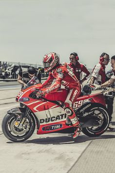 red racer, Nicky Hayden.