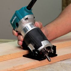 Woodworking How To Videos Must Have Woodworking Tools, Woodworking Tools For Beginners, Rockler Woodworking, Woodworking Workshop, Woodworking Projects, Router Tool, Wood Router, Trim Router, Router Bits