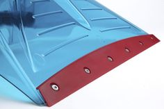 Unprecedented number of carefully positioned ribs on both the spine as well as around the blade ensures durability even during the most extreme conditions and handling. Freeze resistant to up to Deep And Wide, Deep Freeze, How To Make Snow, Shovel, Telescope, Ribs, Blade, Number, Dustpan
