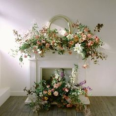 Beautiful mantlepiece floral installation with fresh Spring colours - For the Fireplace & Stairs - Blumenkranz Wedding Ceremony Flowers, Spring Wedding Flowers, Floral Wedding, Wedding Mantle, Wedding Fireplace, Altar Decorations, Flower Decorations, Floral Arch, Floral Wreath