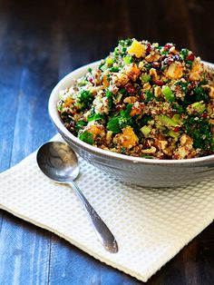 Butternut Squash and Kale Quinoa Stuffing - Perfect for Thanksgiving! http://www.ivillage.com/kale-recipes-thanksgiving/3-a-551669