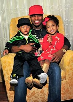 Neto with son and daughter