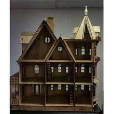 Leon Gothic Victorian Mansion 1:12 Scale Dollhouse Kit