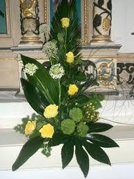 Znalezione obrazy dla zapytania arranjos de flores para altares igrejas