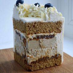 Layer Cake Recipes, Delicious Cake Recipes, Yummy Cakes, Yummy Food, Fun Desserts, Dessert Recipes, Russian Cakes, White Chocolate Strawberries, Cupcakes