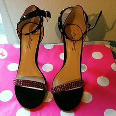 Beautiful new heels Missing 2 stones as shown in pic 2 ,but still very nice. They like a burgundy color.    NWOT Anne Michelle Shoes Heels