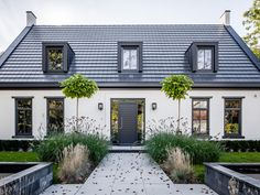 Groothuisbouw - modern notary house - high pressure area ■ Exclusive living and . - architecture Groothuisbouw – modern notary house – high pressure area ■ Exclusive living and … Modern Bungalow Exterior, Modern Bungalow House, Modern Cottage, House Paint Exterior, Exterior House Colors, Exterior Design, Gray Exterior, Exterior Houses, House Designs Ireland