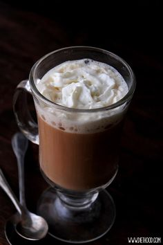 YUMMY! Authentic Irish Coffee! Delicious and warm Authentic Irish Coffee made with whiskey, coffee, and heavy cream. #Delicious #Warm #Authentic #Irish #Coffee #Recipe #IrishCoffee