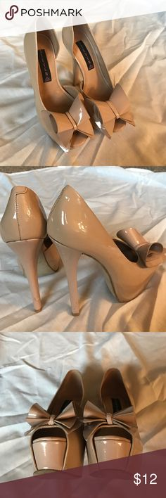 STEVEN by Steve Madden bow platforms These were a big deal when they hit stores. Sold out almost immediately. Defiant signs of wear😏 shown in the picture. Not noticeable on more just when holding.  Still gorgeous. I just have no where to wear them to. Steven by Steve Madden Shoes Platforms