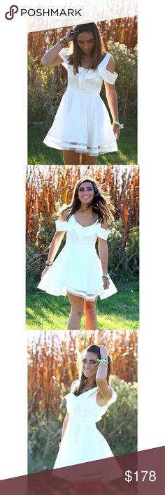 LUXXEL Mini Dress ✖️ No trades ✖️ No low balling __________________________________ 🌸 Super fun & flirty dress! 🌸 Elegant & stylish! 🌸 WORN ONCE LUXXEL Dresses Mini