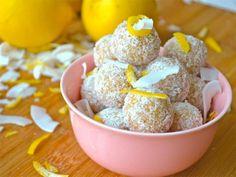 Raw food-bollar med citron och kokos