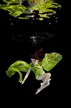 Photography by Ilse Moore / Underwater Fashion - Fashionising.com