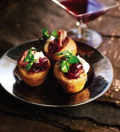 These mini Yorkshire puddings, served with smoked venison, make a scrumptious canapé for a cocktail or dinner party.