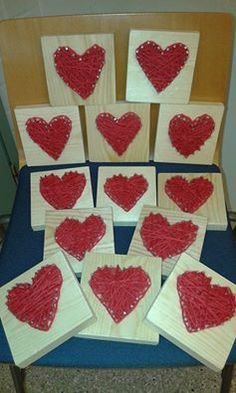 """Sydämiä äideille"". (Alkuopettajat FB -sivustosta / Anna-Kaisa Laakos) Diy And Crafts, Crafts For Kids, Arts And Crafts, Heart Art, Spring Crafts, String Art, Valentines Day, Textiles, Woodworking"
