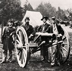Count Ferdinand von Zeppelin (second from right) during the American Civil War