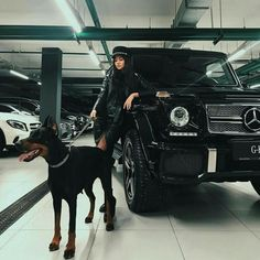 2 perfect guards The Best Of Mercedes Benz The Best Or Nothing For more beautif. by benz a holic Doberman Pinscher Dog, Doberman Dogs, Dobermans, Blue Doberman, Street Style Photography, Fashion Photography, Mercedes Auto, Mercedes Girl, Mercedes G Wagon