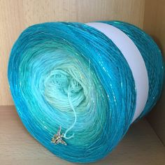 Yarn Cake, Finding Nemo, Hand Dyed Yarn, Loom Knitting, Yarn Colors, Knitting Projects, Crochet Patterns, Throw Pillows, Crafty
