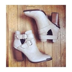 i have shoes just like these, they're sooooo cute