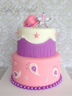 Cowgirl - For a sheriff Callie bday I would just do the top teir Torta Sheriff Callie, Cumple Sheriff Callie, Sheriff Callie Birthday, Western Birthday Cakes, Country Birthday Party, Farm Birthday, Birthday Ideas, Cowgirl Cakes, Cowgirl Party
