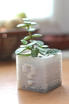 3D printed pot by Materialination
