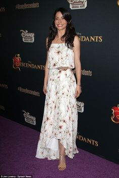 Moved on? Reportedly, the star dined with Emmanuelle Vaugier (pictured last mo. Emmanuelle Vaugier, Ksenia Solo, Sean Penn, Date Dinner, Lost Girl, Original Movie, Charlize Theron, Magick, Woman