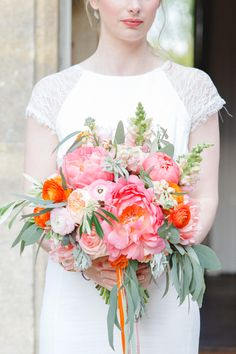 Pink peony bridal bouquet | Claire Graham Photography | see more on: http://burnettsboards.com/2015/04/coral-peach-wedding-editorial/