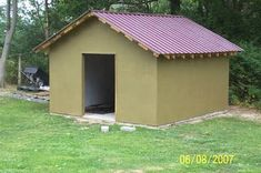Building a Wood Shed from recycled wooden pallets, Building A Wood Shed, Pallet Building, Building Materials, Recycled Pallets, Wooden Pallets, Insulating A Shed, Pallet Shed Plans, Pallet House, Pallet Barn