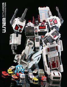 Maketoys Utopia [Classics] Autobot - Basebot - Metroplex 02d-1 | Flickr - Photo Sharing!