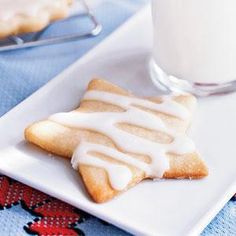 Healthy Classic Iced Sugar Cookies Recipe- swap white flour for wheat flour maybe? Iced Sugar Cookie Recipe, Healthy Sugar Cookies, Iced Sugar Cookies, Healthy Desserts, Cookie Recipes, Dessert Recipes, Icing Recipe, Yummy Treats, Sweet Treats