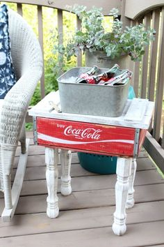 Coca Cola crate side table, by Refresh Restyle, featured on Funky Junk Interiors Furniture Projects, Furniture Makeover, Diy Furniture, Furniture Market, Furniture Online, Pallet Projects, Repurposed Furniture, Painted Furniture, Repurposed Wooden Crates