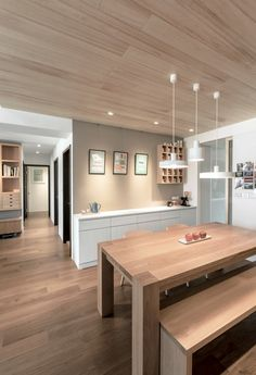A modern apartment celebrates the look of natural wood - Beautiful For Decoration Dinning Room Tables, Dining Room Design, Interior Design Kitchen, Dining Area, Modern Apartment Design, Modern Apartments, Minimalist Home, Home Renovation, Home And Living