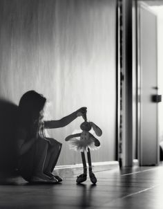 How sweet is this bunny silhouette?  Stuffed animal friends can look great in black and white. - ☯ www.pinterest.com/WhoLoves/Black-White ☯ #black #white #art