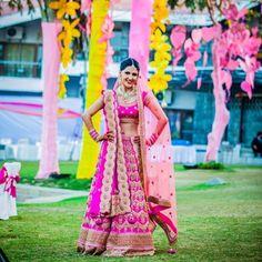 Such a happy photo ! Courtesy @rajeshdigital #pink #yellow #diy #decor #indianbride #indianwedding #lehenga #silk #fashion #bridallehenga