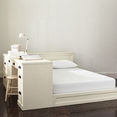 or with a desk? -- Paramount Bed | PBteen