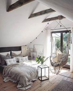 Decoração escandinava de quarto de casal com rede. Confira o melhor da decoração escandinava. Decroação escandinava para fazer em casa. Estilo escandinavo. Quarto escandinavo.
