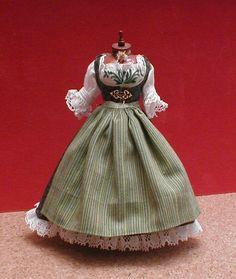 Dirndl groß - traditional bavarian dress... utterly adorable