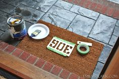 paint house number on door mat Diy Door, House Numbers, House Painting, Homemade Gifts, Dog Bowls, Cottage, Doors, Crafty, Projects